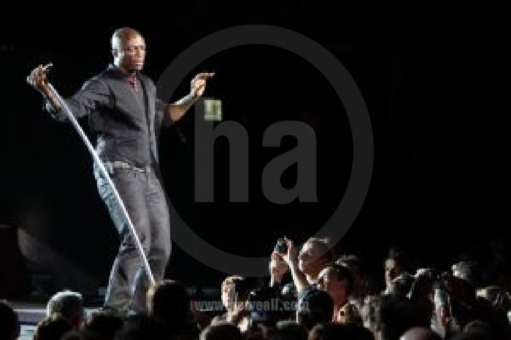 Seal performing vienne france